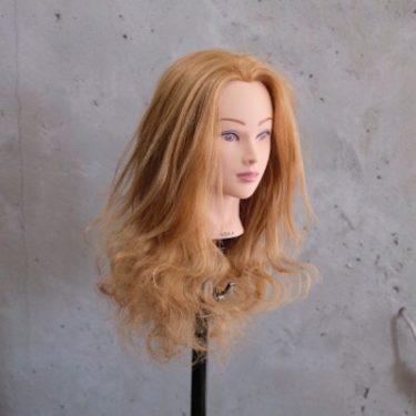 【コテ・アイロンなし】寝ながらロングヘアを巻き髪スタイリングヘアアレンジする方法